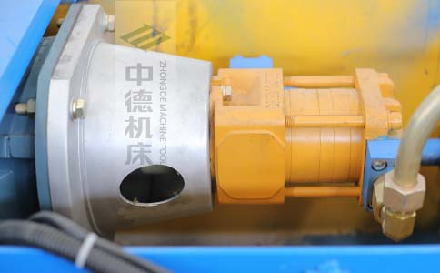 ZDPK-8025采用国内一流品牌电机及油泵,动力强劲,噪音低.jpg